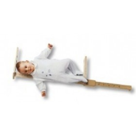 Toise en bois pour bébé